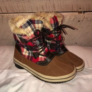 Multicolored checkered boots with fur size 8